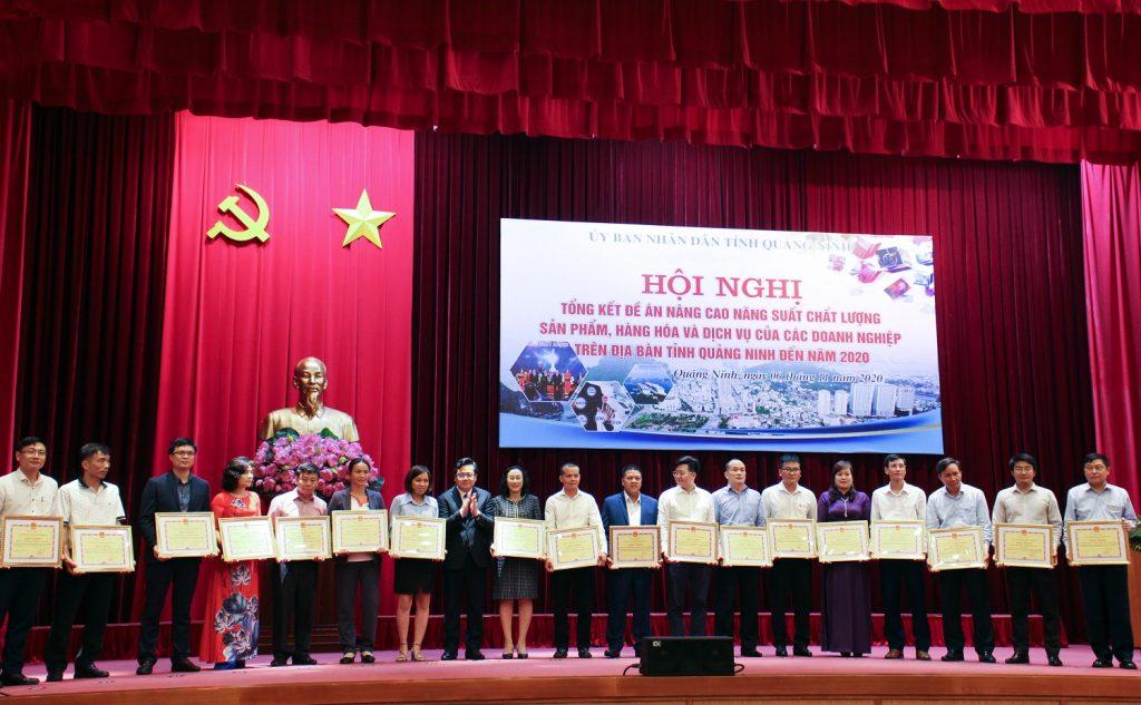 ITIM đón nhận Bằng khen của Chủ tịch UBND tỉnh Quảng Ninh trong phong trào Nâng cao nâng suất, chất lượng sản phẩm, hàng hoá và dịch vụ của các doanh nghiệp